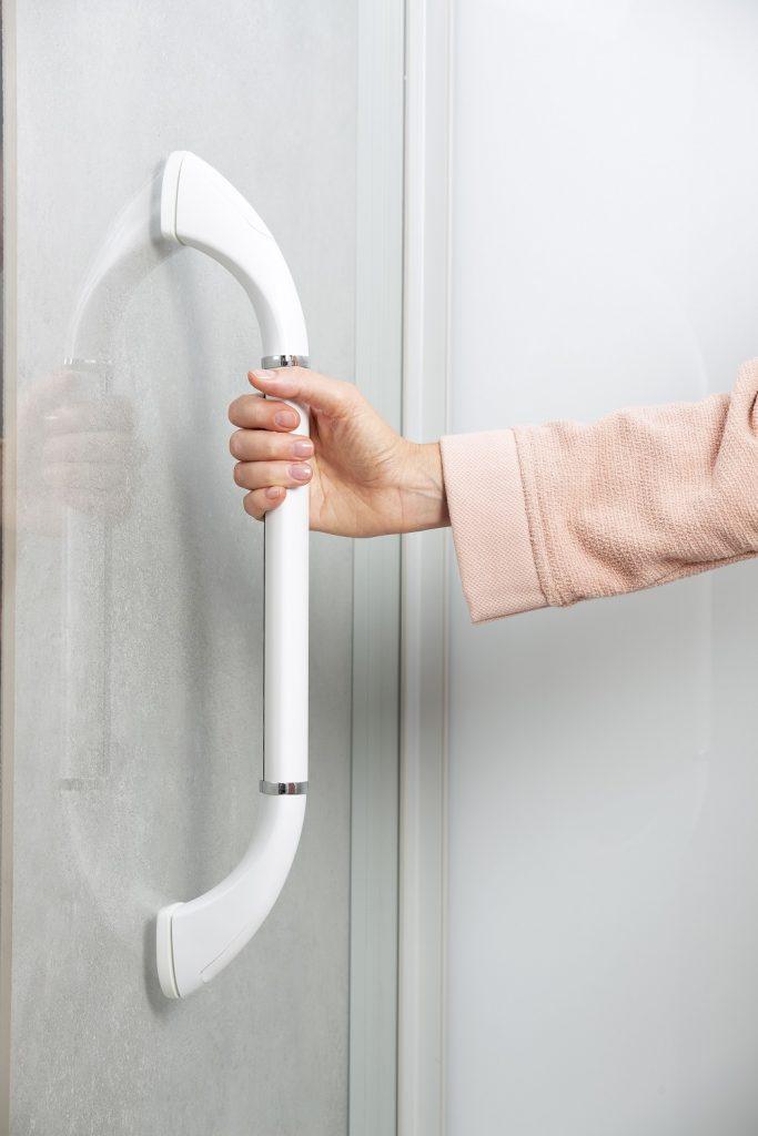 Accessible Shower Kinemagic Serenity close up grap bar
